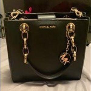 Black Medium size purse